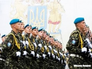 В Украине планируют упразднить срочную службу в армии до 2017 года