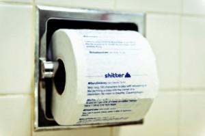Записи пользователей Twitter предложили напечатать на туалетной бумаге