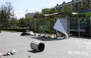 В центре Днепропетровска убирают урны и контейнеры для мусора