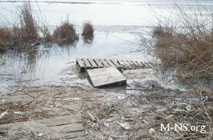 Экологическая катастрофа в Украине: на реке Самара вырос остров из нечистот