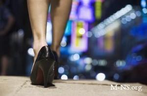 Сексуально неудовлетворенных женщин видно по походке