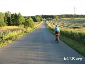 В Запорожской области водитель сбил велосипедиста и сжег автомобиль, чтобы замести следы