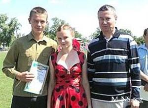 Владимир Онищенко в Семеновке поздравил детей