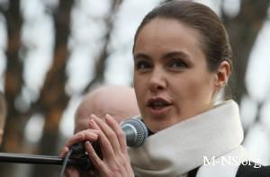 Королевская говорит, что варенье и консервация спасет украинское село