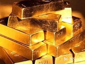 Эксперты советуют вкладывать сбережения в золото