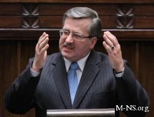 Коморовский хочет удержать Украину от искушения интеграции с Россией