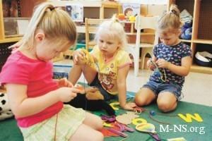 МОН: Детсады не имеют права требовать у родителей прописку