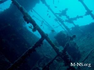 На Хресонщине разминируют затонувший корабль времен Второй мировой