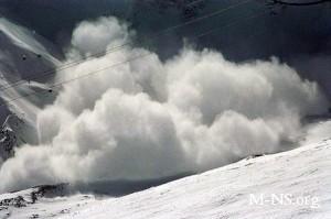 При сходе лавины в Гималаях погибли девять человек