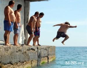 В Ялте состоится чемпионат по прыжкам с пирса в семейных трусах