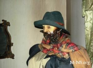 В харьковском Доме ужасов - люстра из черепов и парящие зомби