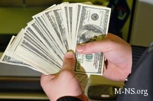 Ukrainskie menyaly obogaschayutsya na dollarovoi panike