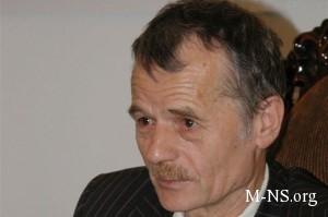 Djemilev prizval NATO maksimal'no posposobstvovat' v skoreishei deeskalacii situacii v Krymu