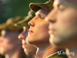 V 2014 godu jitelei Kryma v armiyu prizyvat' ne budut