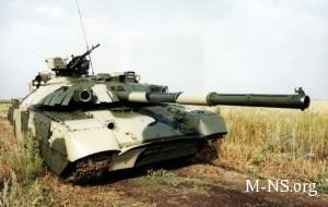 Armii kupyat 160 tankov. Zaschityat li oni Ukrainu